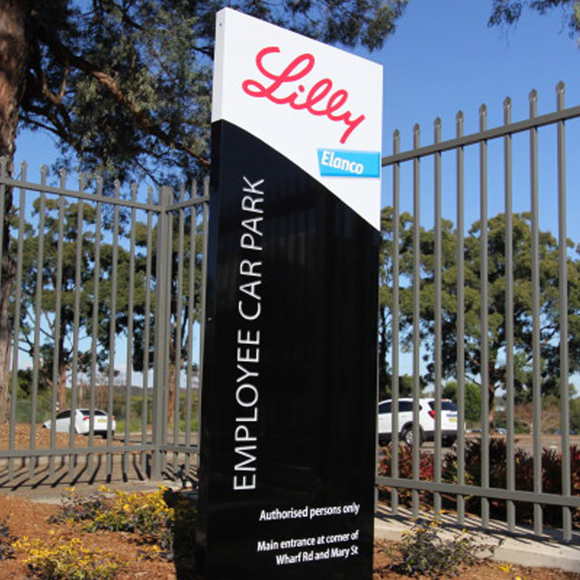 Eli Lilly Blade Sign